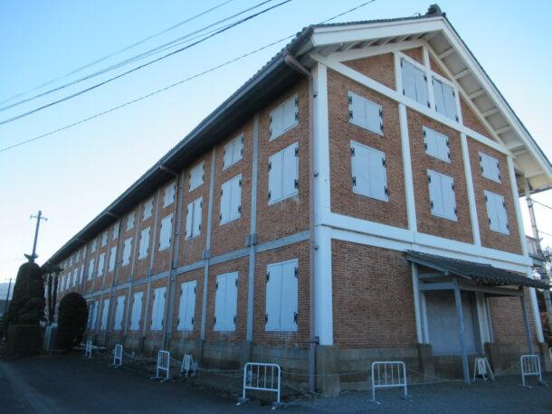 富岡製糸場北側から見た東置繭所