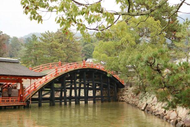 厳島神社反橋