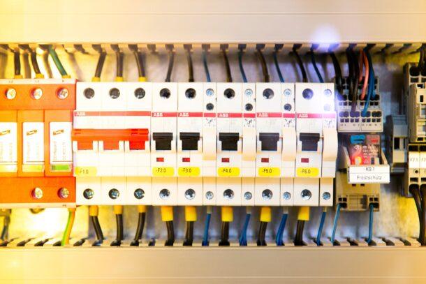 飛行機の電気系統